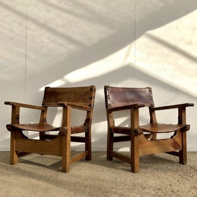 Pair of Spanish armchairs in oak & saddle leather, 1940s