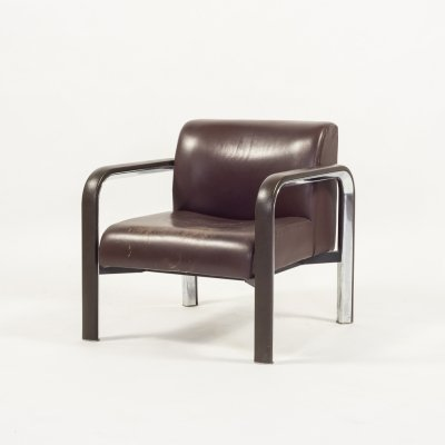 Modern Italian design armchair in brown leather