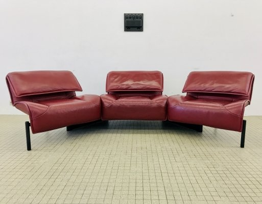 Vintage Cassina Veranda 123 sofa in burgundy leather by Vico Magistretti, 1983