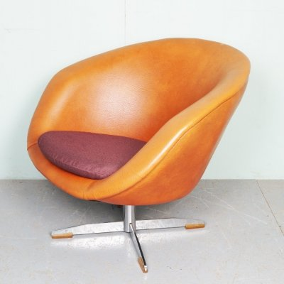 Vintage skai-leather swivel chair, 1960s