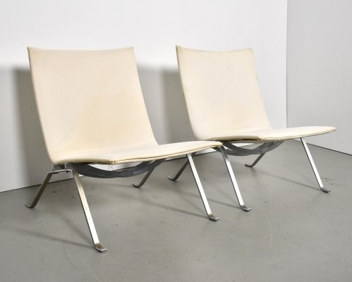 Pair of PK22 lounge chairs by Poul Kjærholm for E. Kold Christensen, 1960s