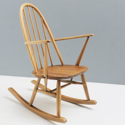 Small Quaker mod. 428 rocking chair by Lucian Ercolani for Ercol