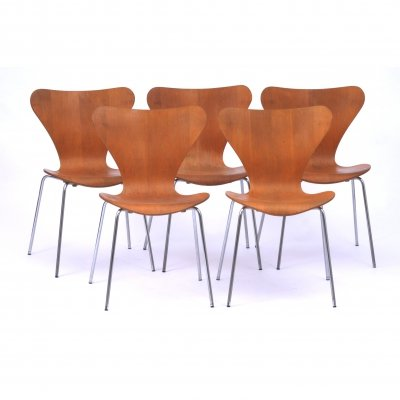 Set of 5 dining chairs by Arne Jacobsen for Fritz Hansen, 1970s