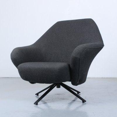 P32 lounge chair by Osvaldo Borsani for Tecno, 1960s
