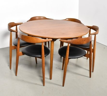 Hans Wegner 'Heart chair FH4103' dining set produced by Fritz Hansen, 1960s