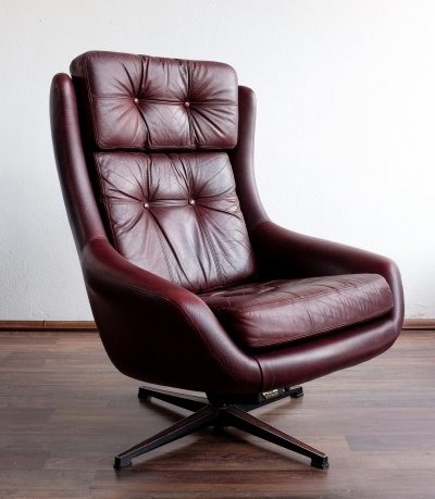 Vintage Finnish PeeM Swivel Chair, 1970s