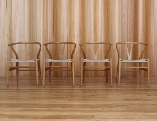 Set of 4 Hans Wegner oak 'wishbone' 'Y' model CH24 chairs by Carl Hansen