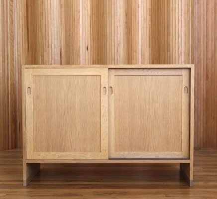 Hans Wegner oak sliding door cabinet by Ry Mobler, 1970s