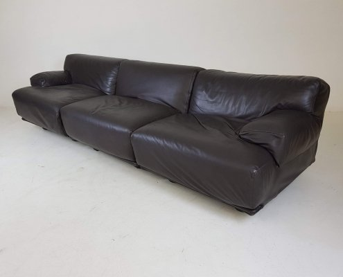 Vico Magistretti for Cassina 'Fiandra' 3-Seater dark brown leather sofa, Italy