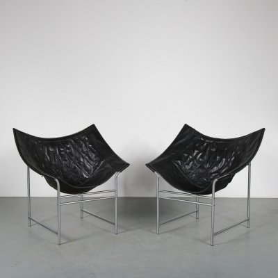 Pair of leather lounge chairs by Gerard van de Berg for Montis, 1980s