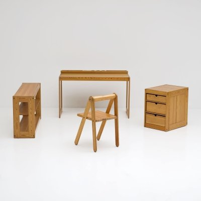 Kids desk furniture designed by Belgian interior architect Pierre Grosjean