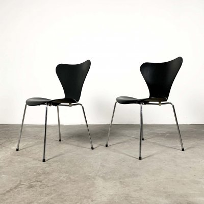 Set of 2 Butterfly Chairs by Arne Jacobsen for Fritz Hansen, 1960s
