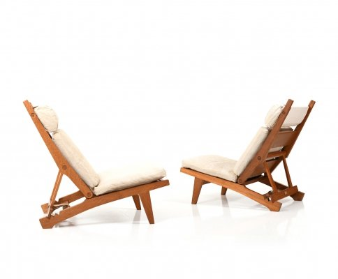 Pair of AP71 Reclining Lounge Chairs by Hans Wegner