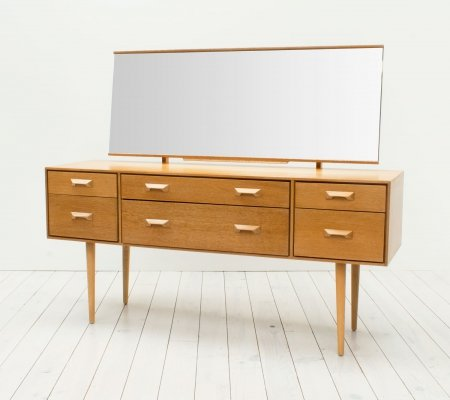Concord Oak Dressing Table by John & Sylvia Reid for Stag, 1960s