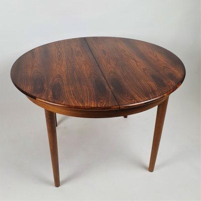 Danish Rosewood Round Extendable Dining Table, 1960s