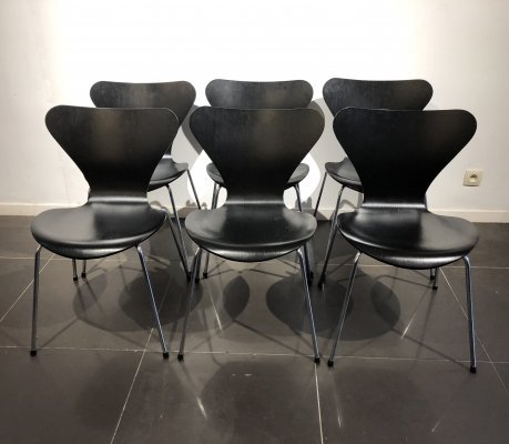 Set of 6 black '3107' dining chairs by Arne Jacobsen for Fritz Hansen, 1980s