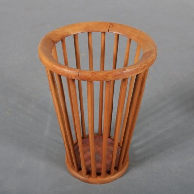 Wooden umbrella stand by Willem van Gelderen for 't Spectrum, 1950s