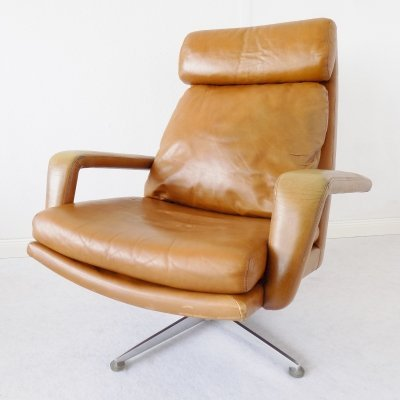 Caramel leather lounge chair by Hans Kaufeld, 1960s