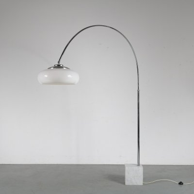 Large arc lamp designed & manufactured by Guzzini, Italy 1970s