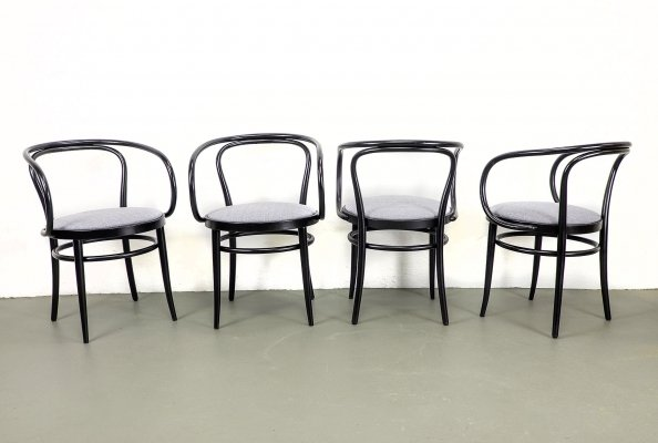 Set of 4 Black Dining Chairs Mod. 209 by Thonet