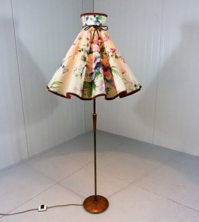 Flower shade floor lamp, 1950-60's