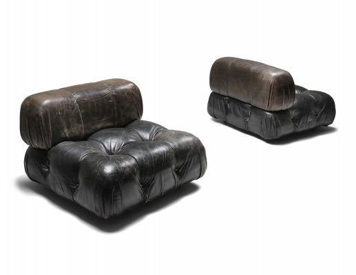 Mario Bellini's 'camaleonda' lounge chairs in original black leather, 1970's