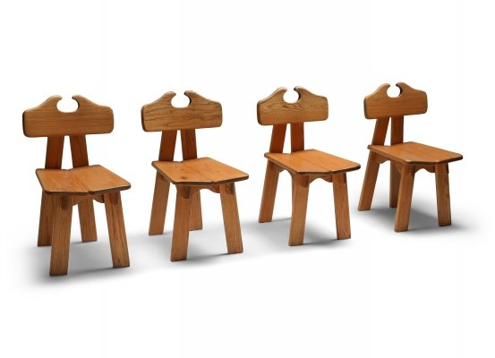 Set of 4 Spanish brutalist chairs in solid oak, 1970's