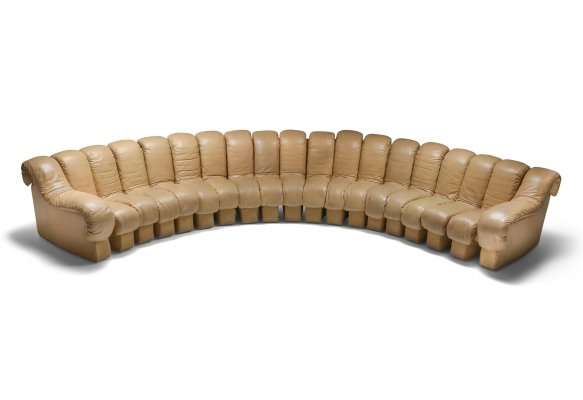 De Sede 'Snake' DS-600 sofa in camel colored leather, Switzerland 1972
