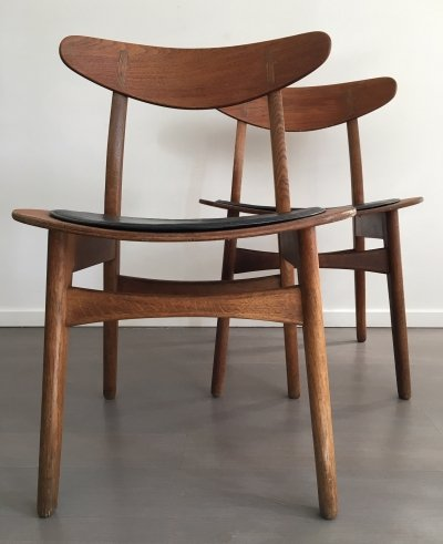 Pair of CH30 dining chairs by Hans Wegner for Carl Hansen & Søn, 1950s