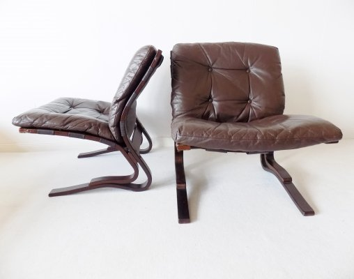 Set of 2 brown leather 'Kengu' lounge chairs by Elsa & Nordahl Solheim for Rykken