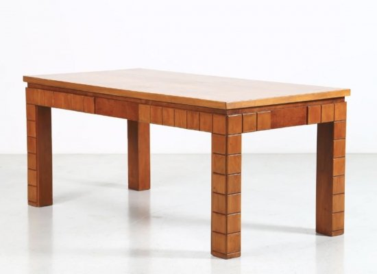 Guglielmo Ulrich Dining Table in walnut, Italy 1950s