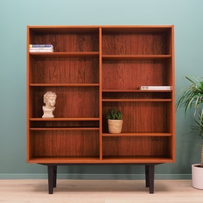 Bookcase cabinet by Hundevad & Co, 1970s