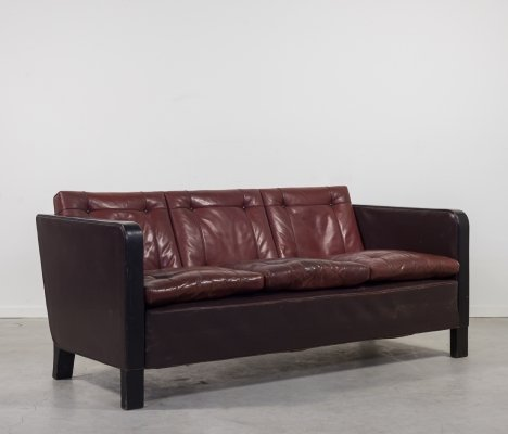 Scandinavian Art Deco sofa in brown leather, 1920s