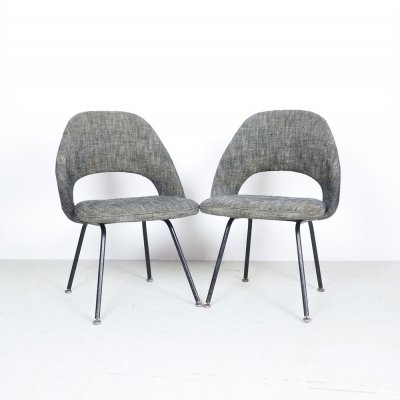 Pair of Eero Saarinen for Knoll Conference chairs model 71, 1950's