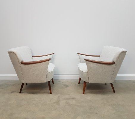 Pair of Mid Century Cocktail / Club Chairs in Light Grey Tweed, 1960