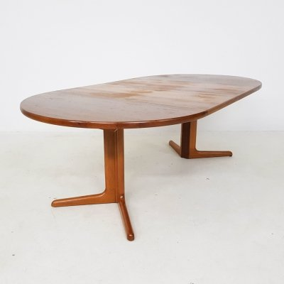 Round teak extendable dining table by Skovby, Denmark 1960's