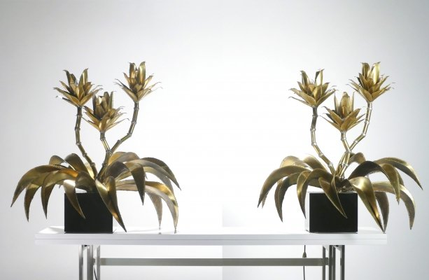 Hollywood Regency Pair of Maison Jansen brass flower lamps, 1970s