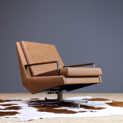 Ranka Swivel lounge chair in leather by Louis van Teeffelen for WeBe