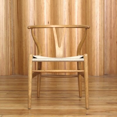Hans Wegner model CH24 oak 'wishbone' or 'Y' chair by Carl Hansen Denmark