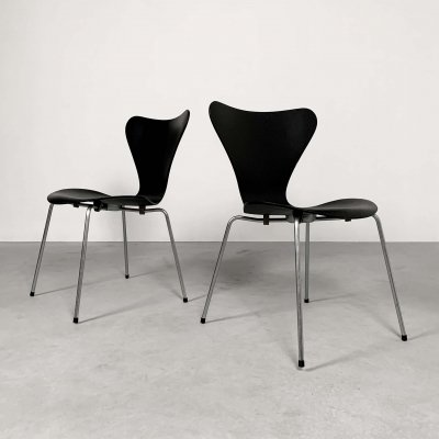 2 Butterfly Chairs by Arne Jacobsen for Fritz Hansen, 1950s