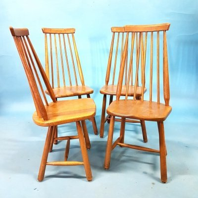 Solid oak spindle highback dining chairs, 1960s