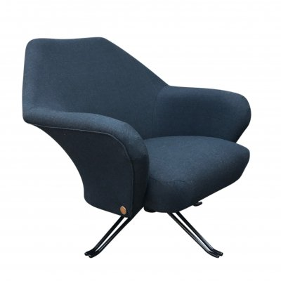 Grey fabric P32 swivel armchair by Osvaldo Borsani for Tecno Sp.a, 1970s