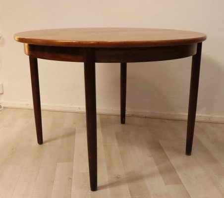 Round dining table, 1960s