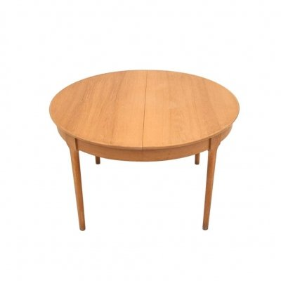 Oak Round Extendable Dining Table, Danish Design 1960s