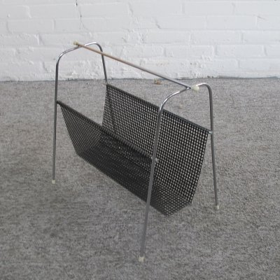 Vintage Pilastro magazine holder in black metal, 1950s