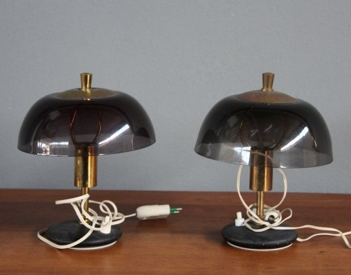 Pair of Italian Midcentury bed side table lamps in plexiglass with brass details, 1960s
