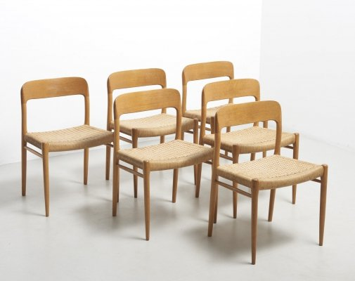 Set of 6 dining chairs in oak by Niels O. Møller, Denmark 1954