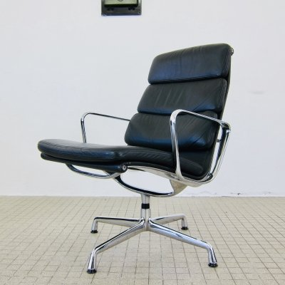 Charles & Ray Eames EA216 lounge/lobby chair by Vitra, 1980s