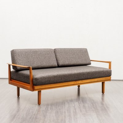 Mid-Century Knoll Antimott daybed in walnut, 1960s