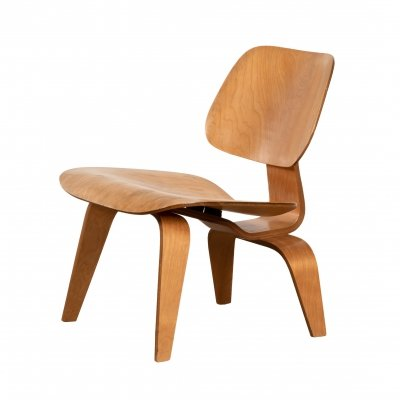 Very early Eames LCW produced by Evans molded plywood division for Herman Miller